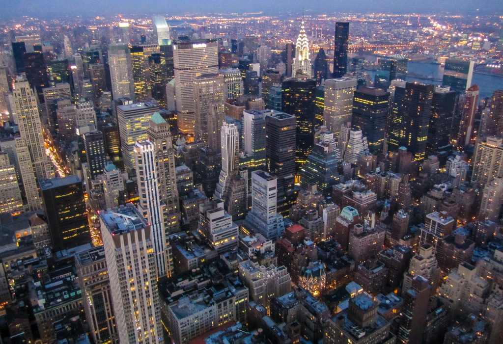 Empire State Building view from the top of manhattan is one of the best things to do in new york, so put it on your new york itinerary
