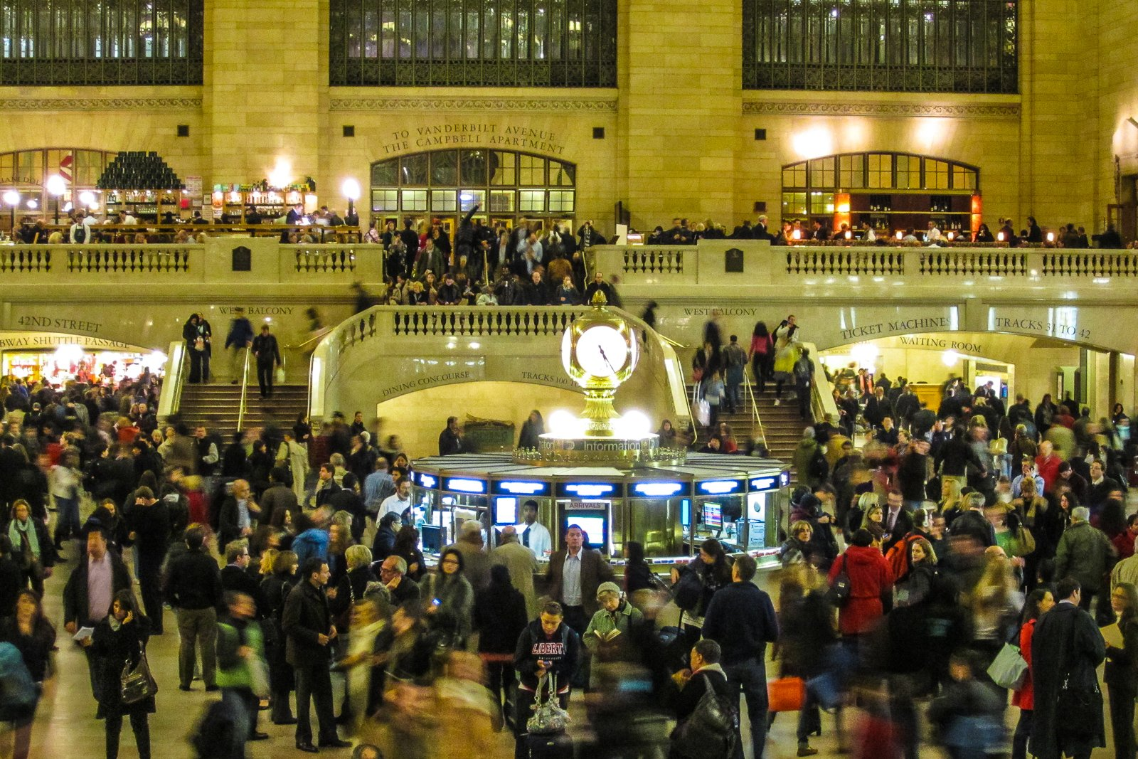 Grand central station rush hour flying and travel for Things to do in nyc manhattan
