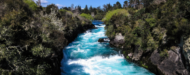 new-zealand-lake-taupo-huka-falls.jpg