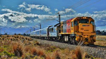 Northern Explorer Auckland to Wellington train, tranzalpine, wellingto to auckland kiwi rail.
