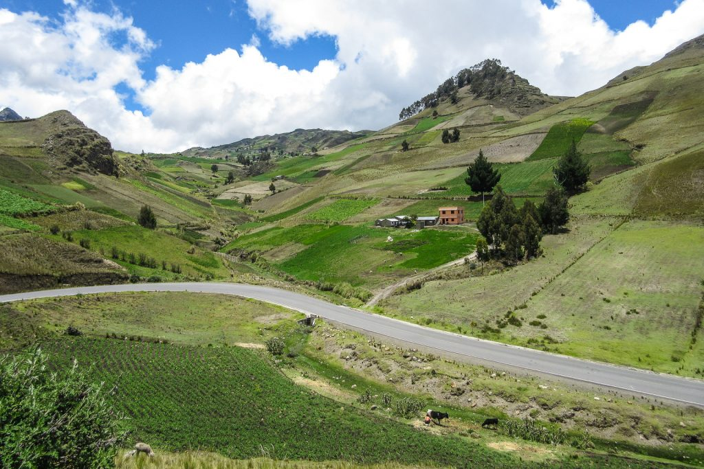 Cycling the Quilotoa Loop from Laguna Quiltoa to the town of Zumbahua