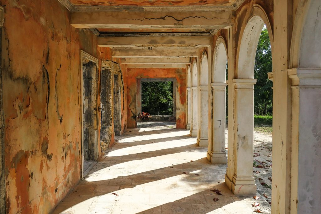 The Haunted House, ruins in Harbour Island Bahamas, North Eleuthra