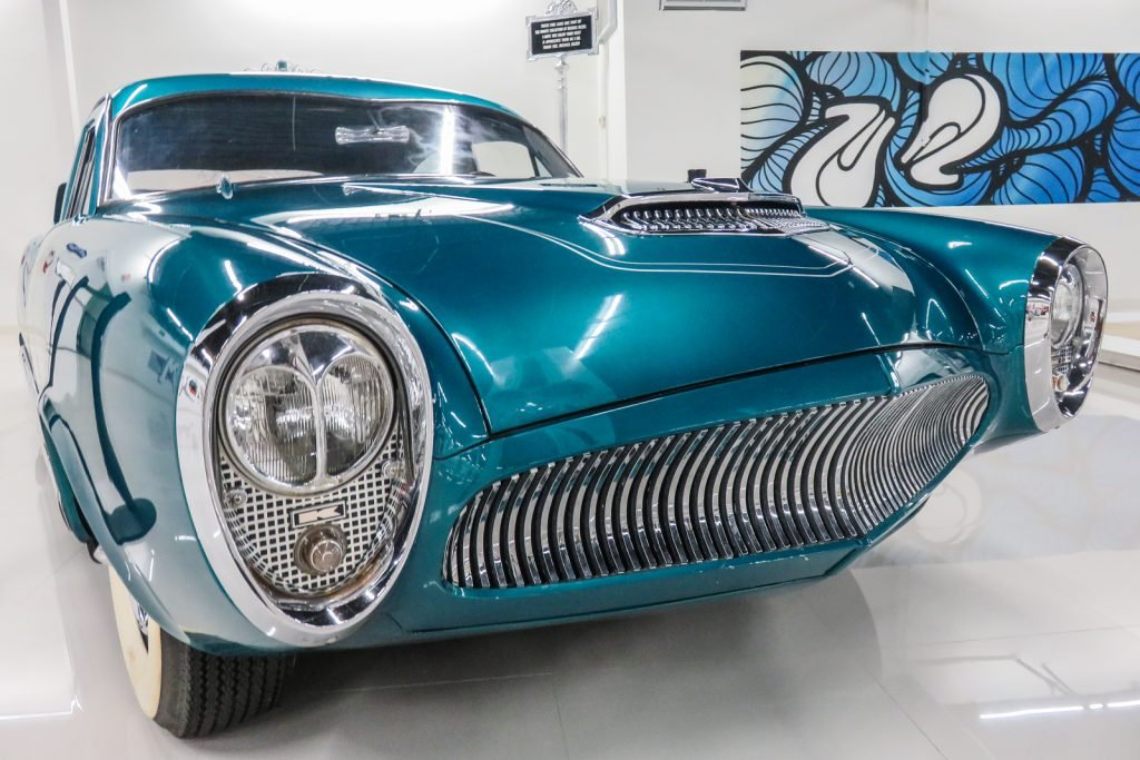 South Beach Classic Cars found at the Miami Auto Museum, deezer collection. South Beach Miami. Things to do in Miami Beach
