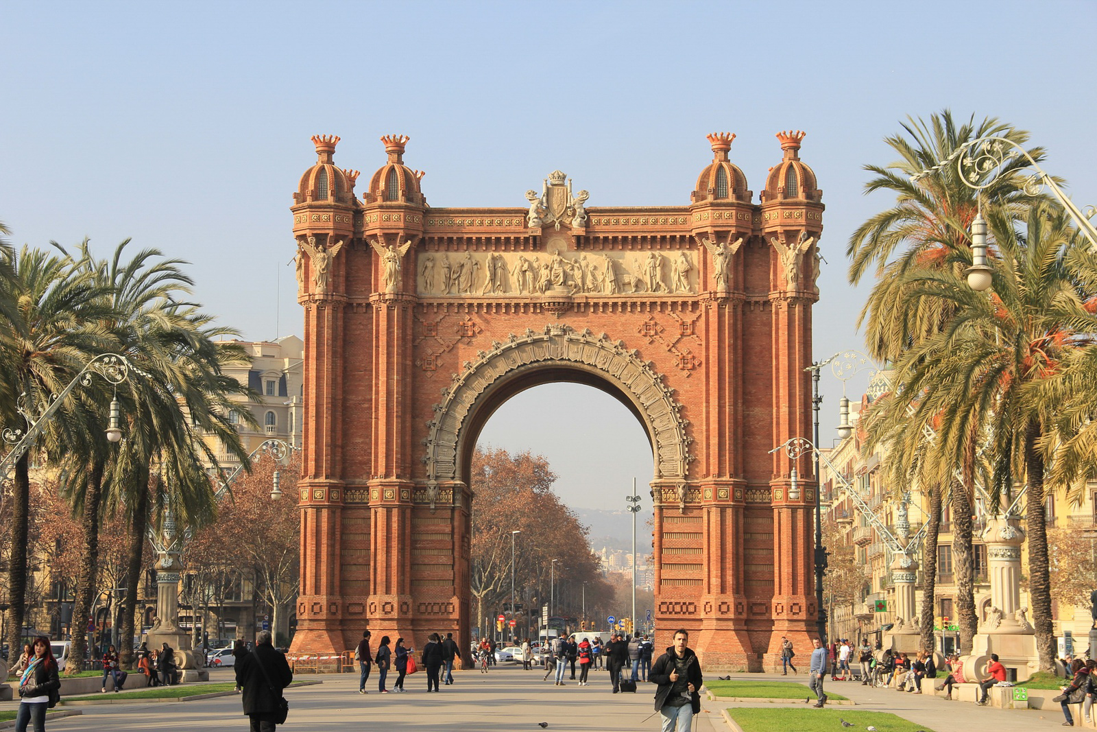 Things to do in Barcelona Spain to see barcelona attractions and and discover the fun things to do in barcelona
