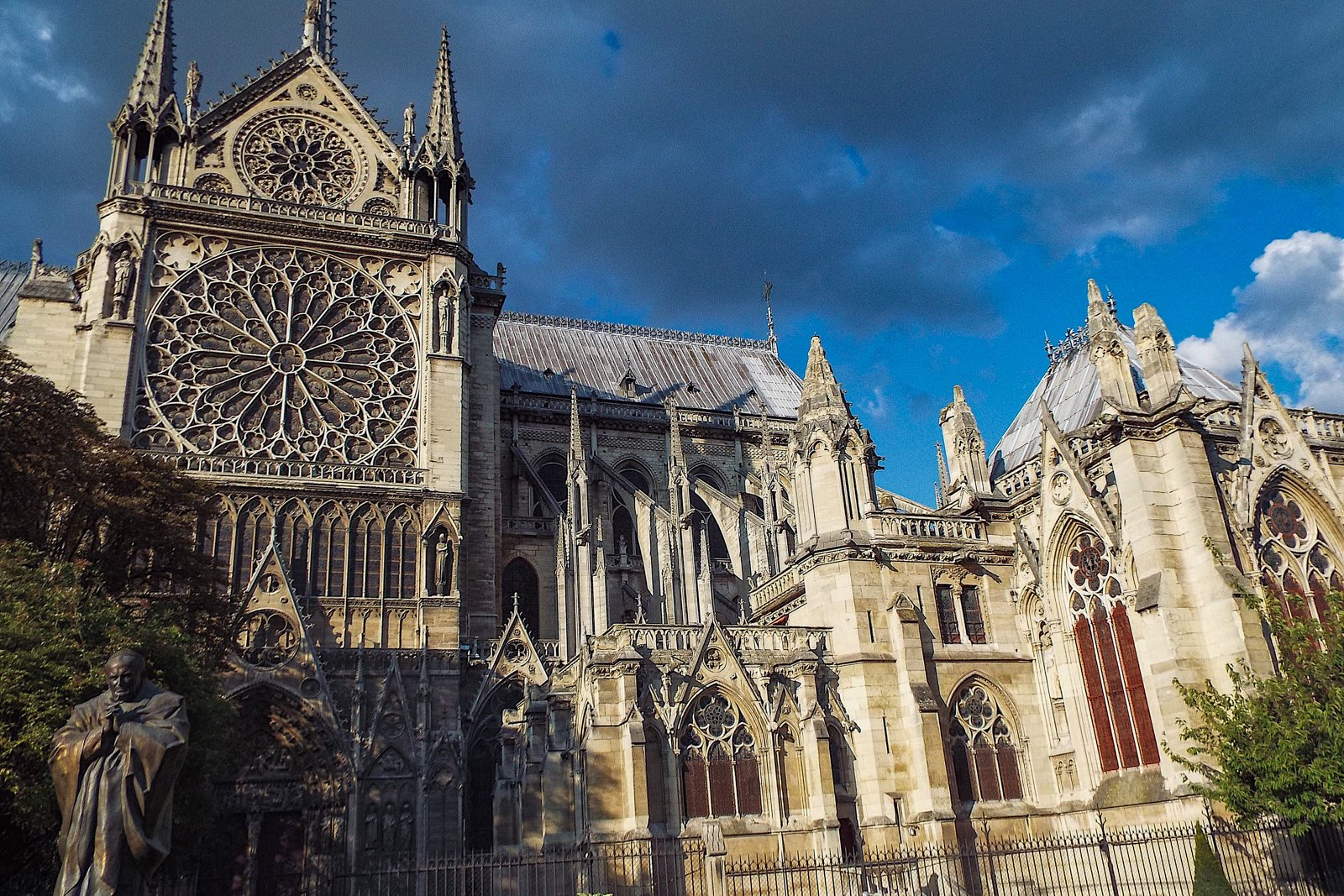 Top Ten Things to Do in Paris One Day Tour Notre Dame Cathedral 2 day paris itinerary