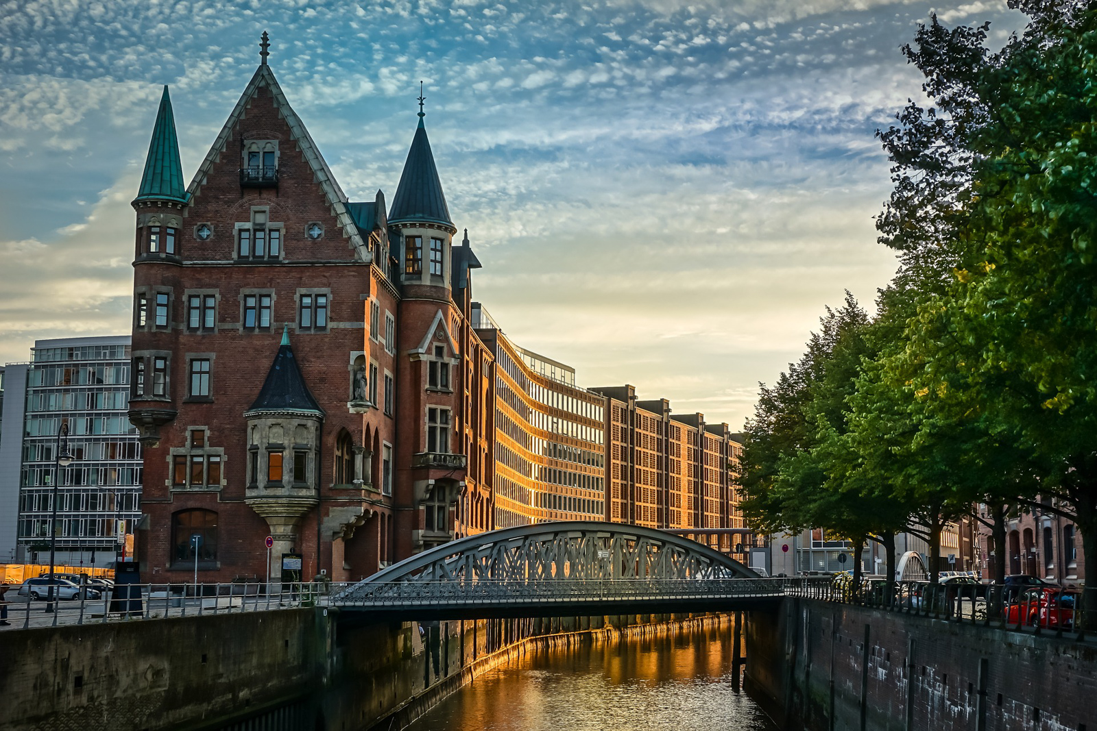 Places in Hamburg Landmarks and what to do in Hamburg walking tour of all great Hamburg locations.