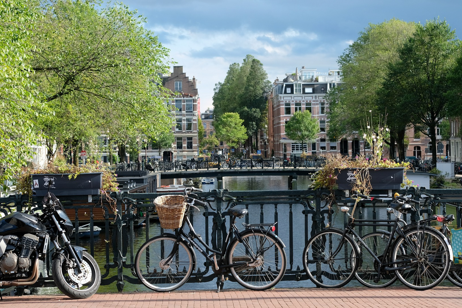 Places to see in Amsterdam itinerary 2 days like Amsterdam beer and Amsterdam castle and other places to visit in Amsterdam like Amsterdam day trips