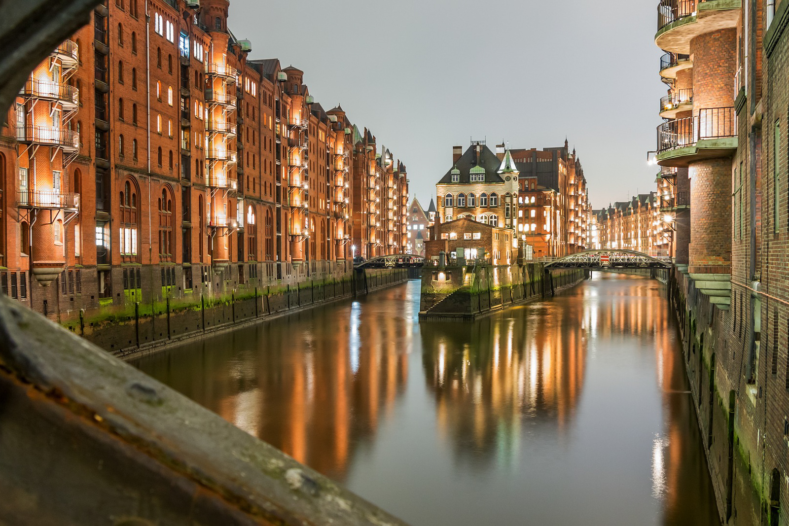 THings to do in Hamburg attractions and what to do in Hamburg including day trips in Hamburg.