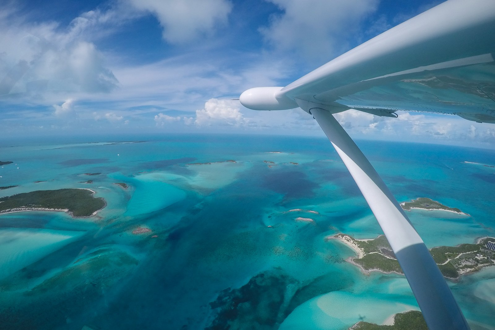 Miami to Bahamas tour by plane to Staniel Cay, flying over the Exumas