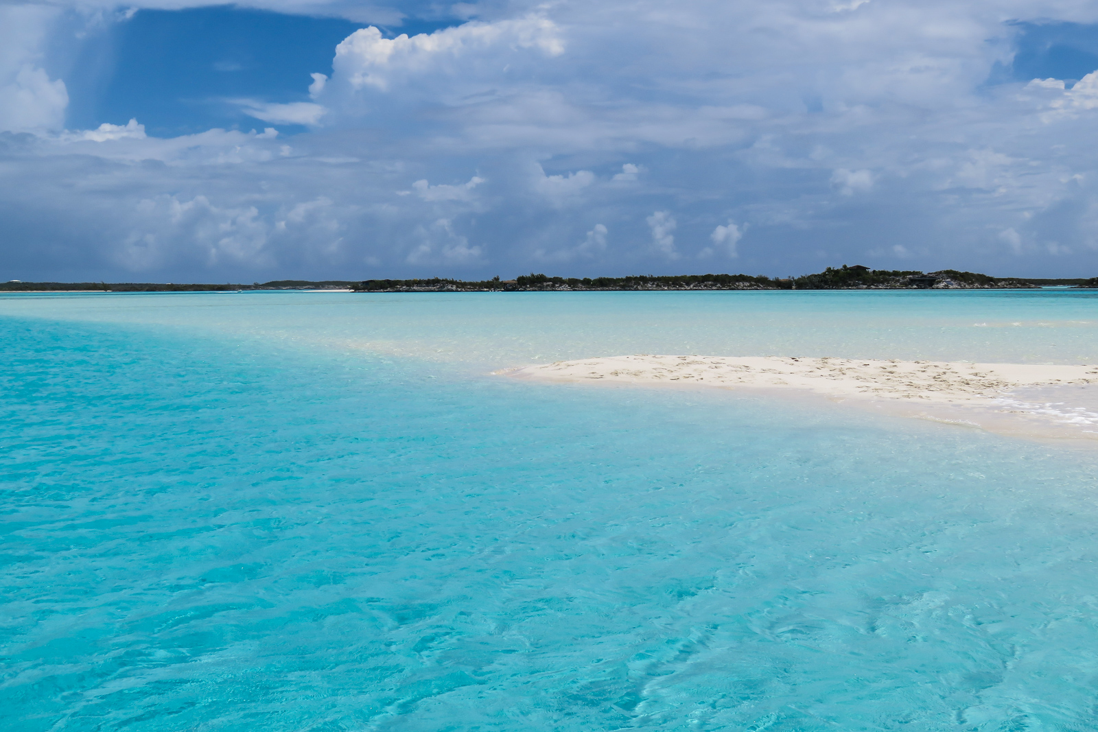 The stunning Sand Bar at Staniel Cay on a one day cruise to Bahamas by plane