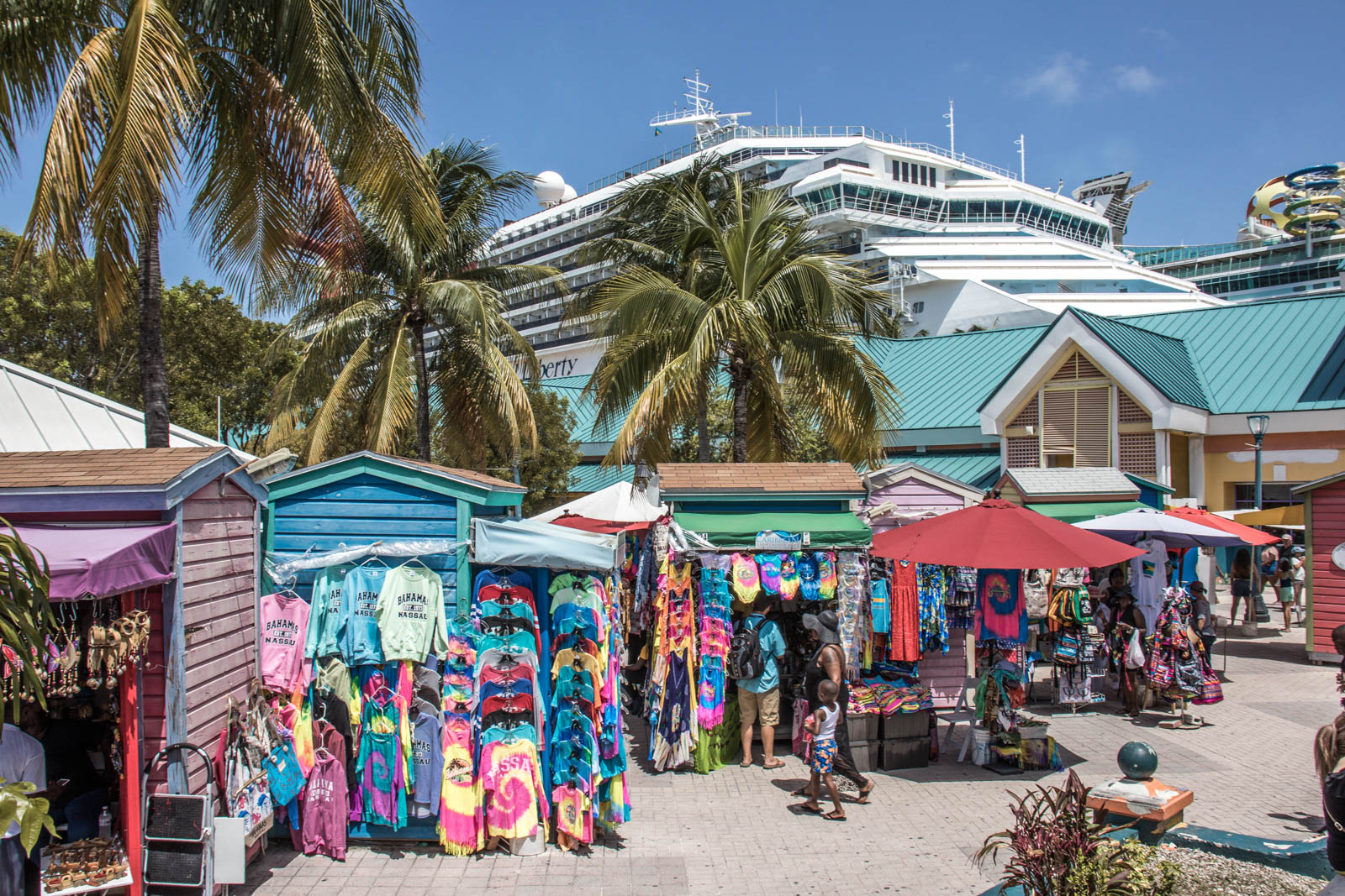Check out all the best beaches in Nassau for cruisers near the Port of Nassau. There is plenty what to do in Nassau port and things to do in Nassau Bahamas cruise port for day trippers from Florida.