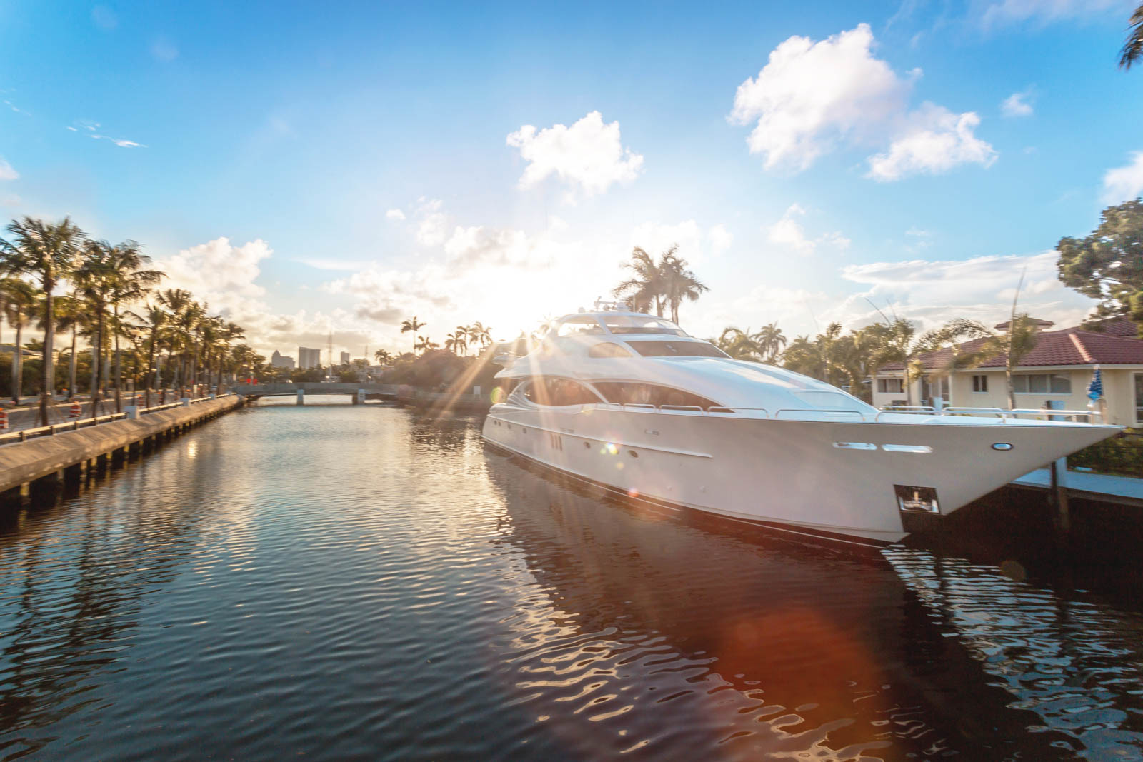 A stroll along the Fort Lauderdale canals at sunset is among the best cheap things to do in Florida. There are other fun things to do in Florida around the south of the peninsula too.