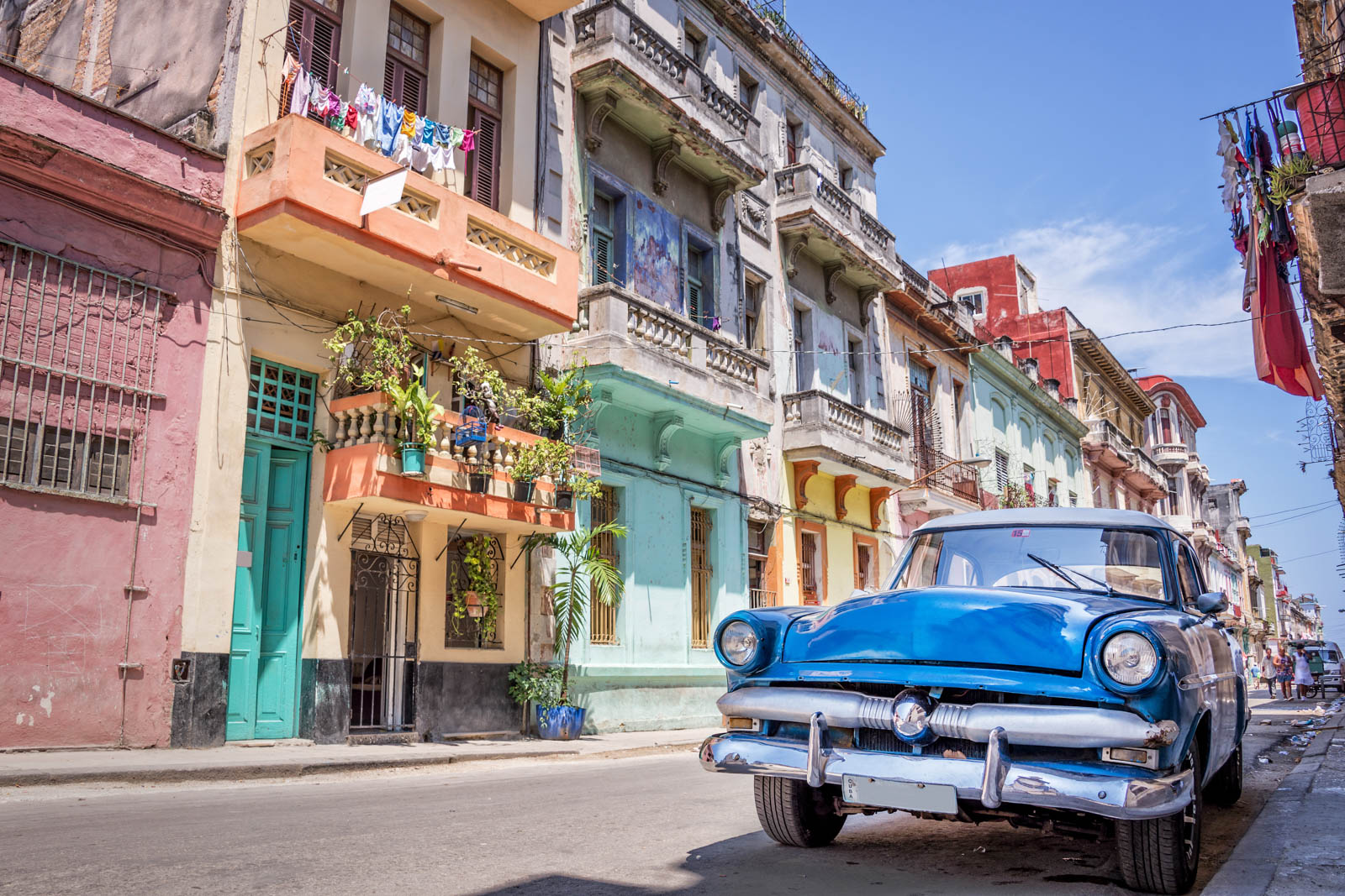 Vintage classic American car in Havana, Cuba on day trips from Miami to Cuba.